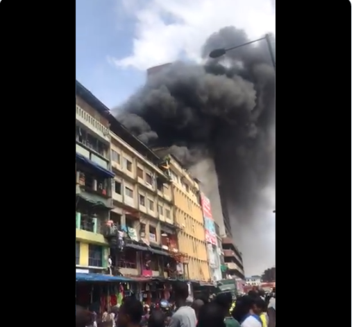 BREAKING! Fire Breaks Out At Balogun Market In Lagos Island