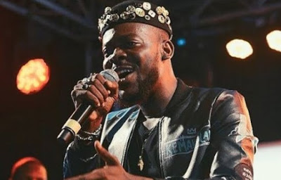 Between Adekunle Gold and a Twitter user clash over giveaway